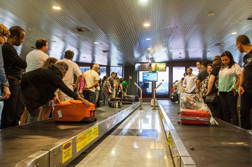 Cobrança por despacho de bagagem em avião será tema de novo debate nesta terça