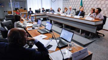 Comissão debate violência na escola pública e Lídice defende políticas de combate ao racismo