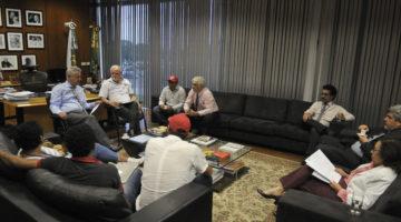 Lídice participa de reunião entre MST e governador Rodrigo Rollemberg
