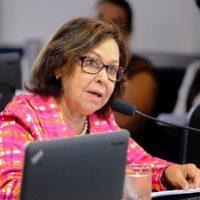 Senado aprova relatório de Lídice que avaliou Programa Mais Médicos