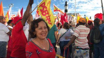 """""""Reforma trabalhista foi a maior derrota do povo brasileiro"""", afirma Lídice da Mata"""
