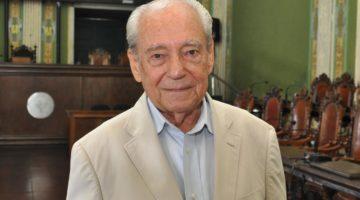Senadora Lídice presta homenagem a Waldir Pires