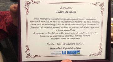 Lídice e parlamentares recebem homenagem da Procuradoria da Mulher do Senado