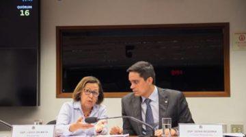 Deputados socialistas apresentam projeto para ampliar direito de idosos junto aos Planos de Saúde