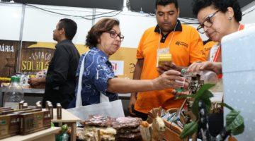 Lídice retoma projeto que prevê aumento do teor do cacau nos produtos à base de chocolate