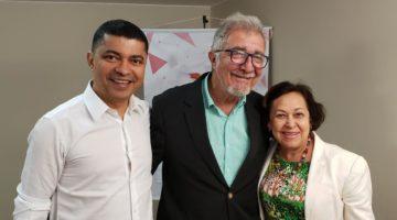 Deputados prestigiam lançamento e palestra sobre portal de socialismo criativo