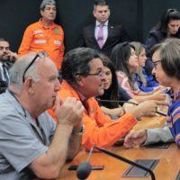 Lídice faz duras críticas à decisão da Petrobras de encerrar atividades na Bahia