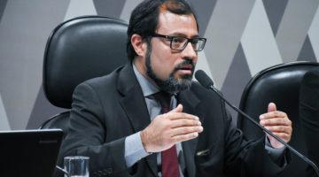 Socialistas propõem suspender descontos em folha de servidores e aposentados