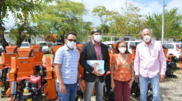 Emenda de Lídice garante cinco kits forrageira entregues a associações de Canudos