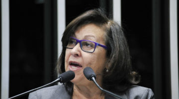 """Governo Temer comete crime de lesa-pátria"", afirma Lídice"